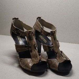 MICHAEL KORS womens high heels (size 7M)